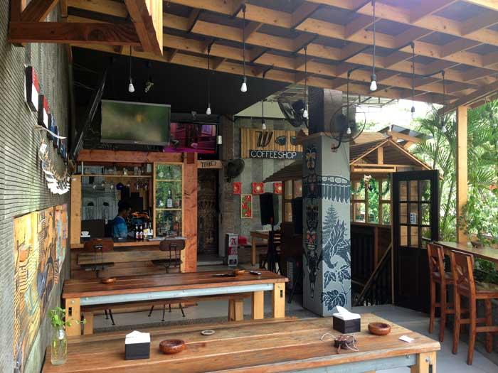 Suasana Woody Coffeeshop and Bar