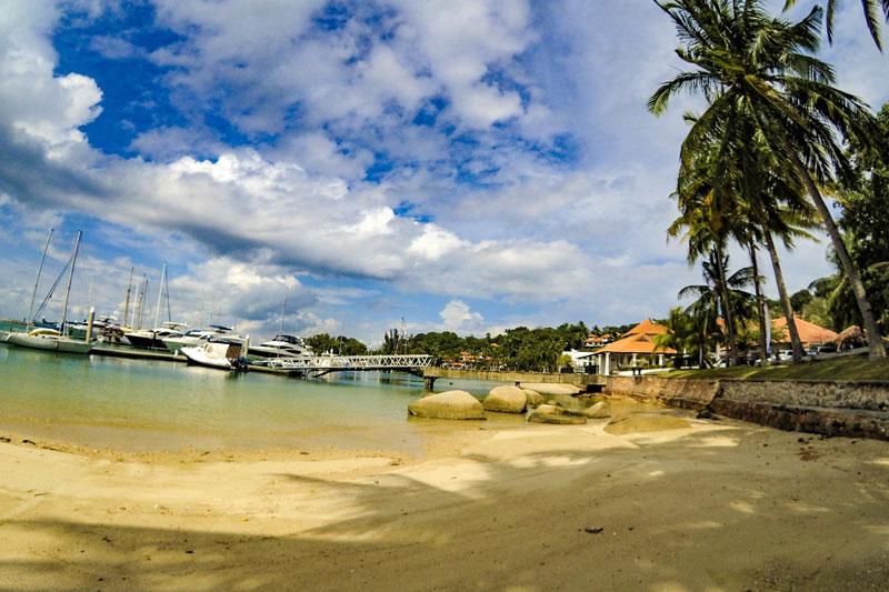 Pantai Nongsa Point Marina yang kece abis