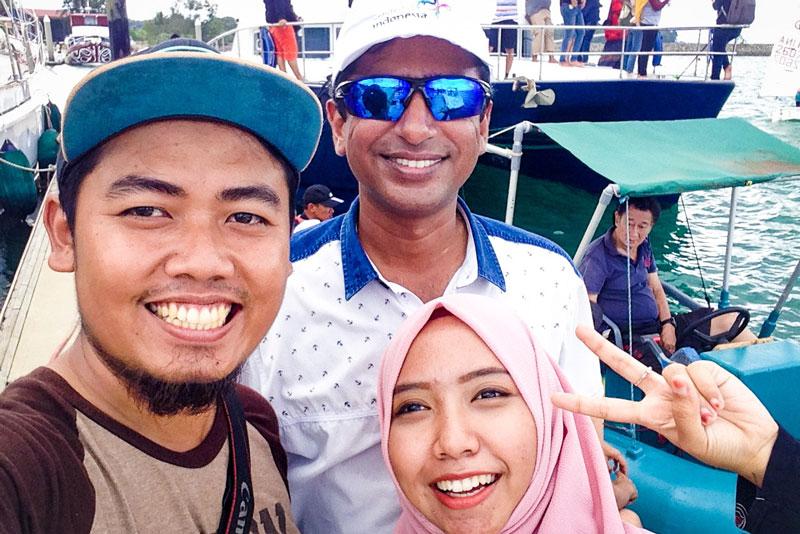 Saya dan istri bersama Prakash, Marina & Water Sport Manager NPM