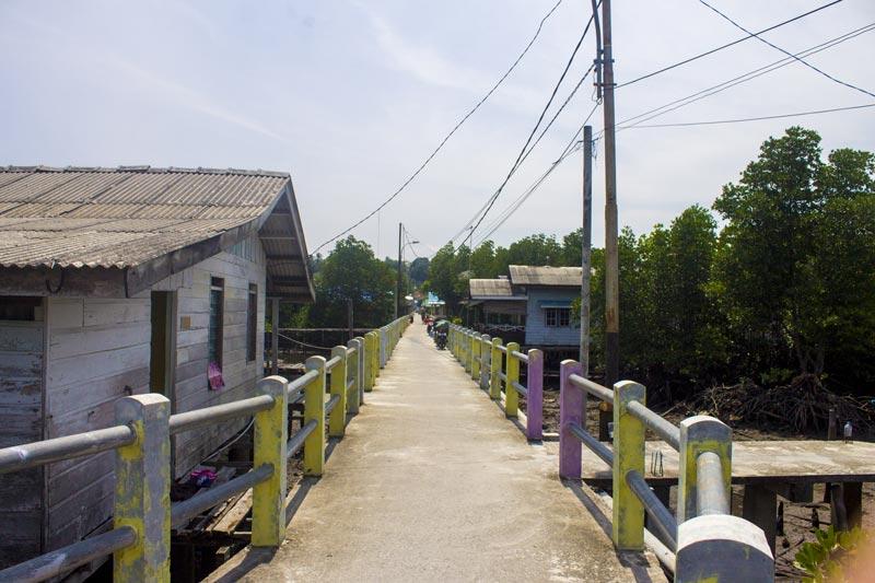 Jalanan kampung