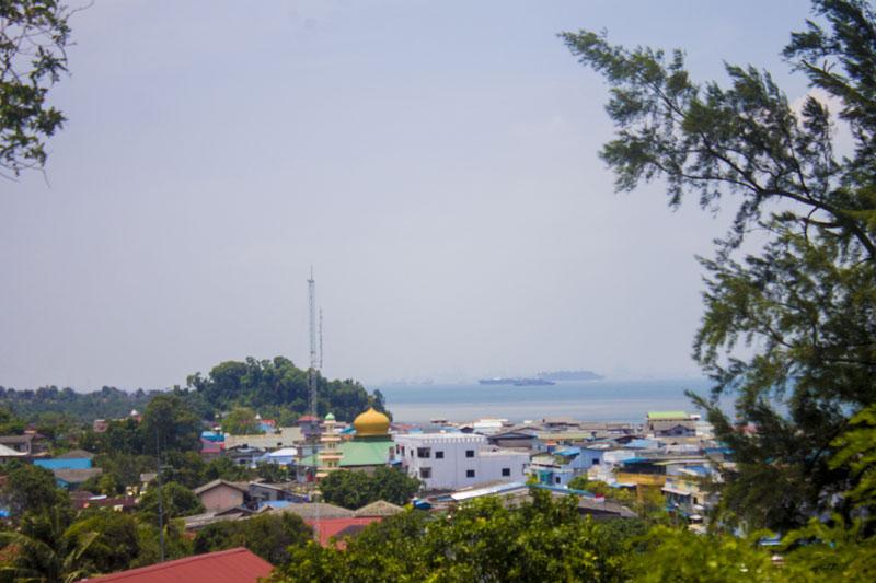View pemukiman dari kantor imigrasi Belakangpadang